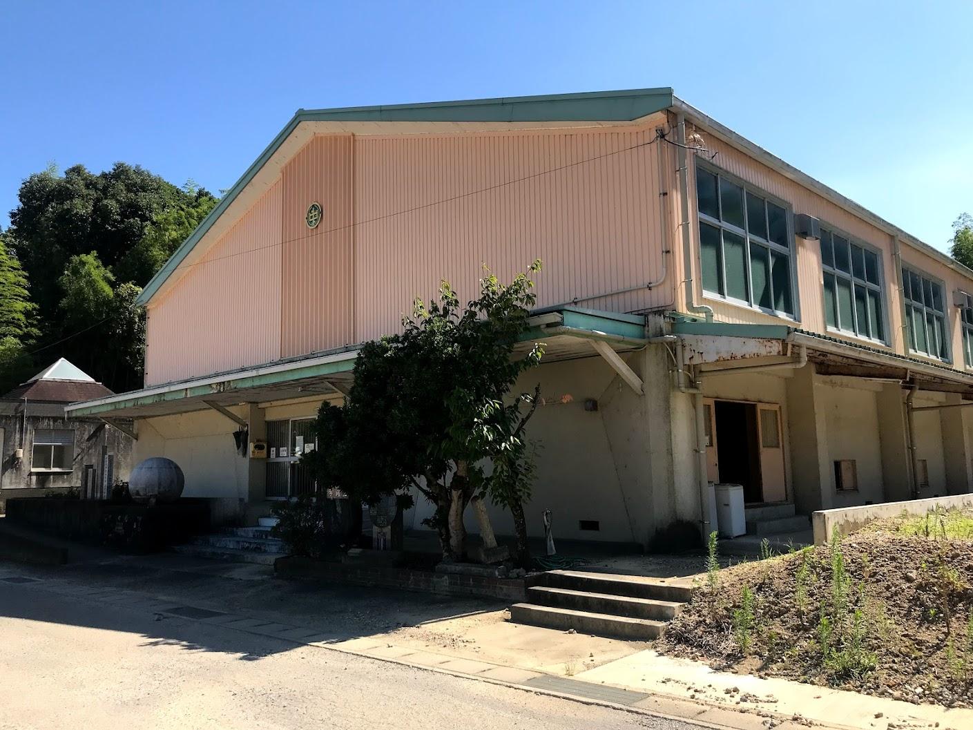 徳島県小松島市立江中学校体育館